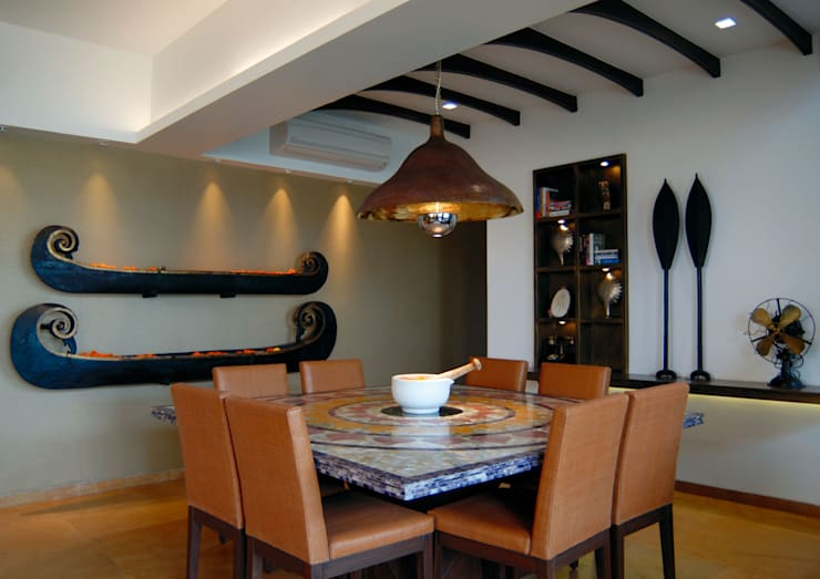 Old meets New :  Dining room by The Orange Lane,Modern