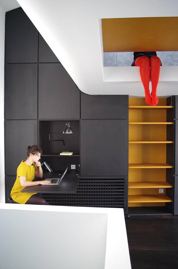 Le secrétaire:  de style  par Metek Architecture