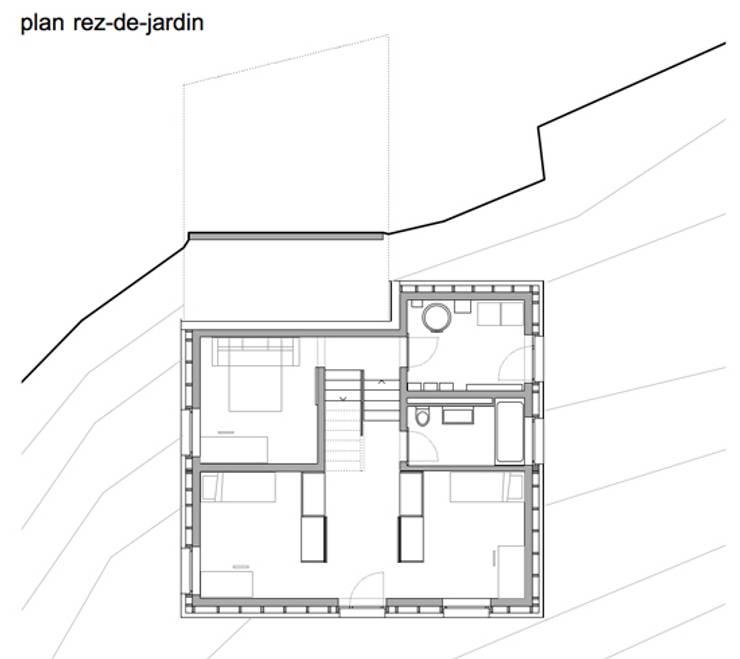 plan: Maisons de style  par bunqARCHITECTES