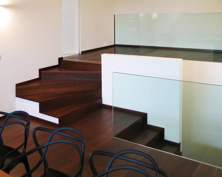 Casa Sabatini: Case in stile  di matteo avaltroni