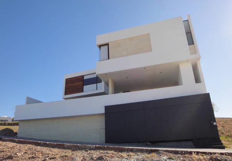 Casa DV Casas modernas de ze|arquitectura Moderno