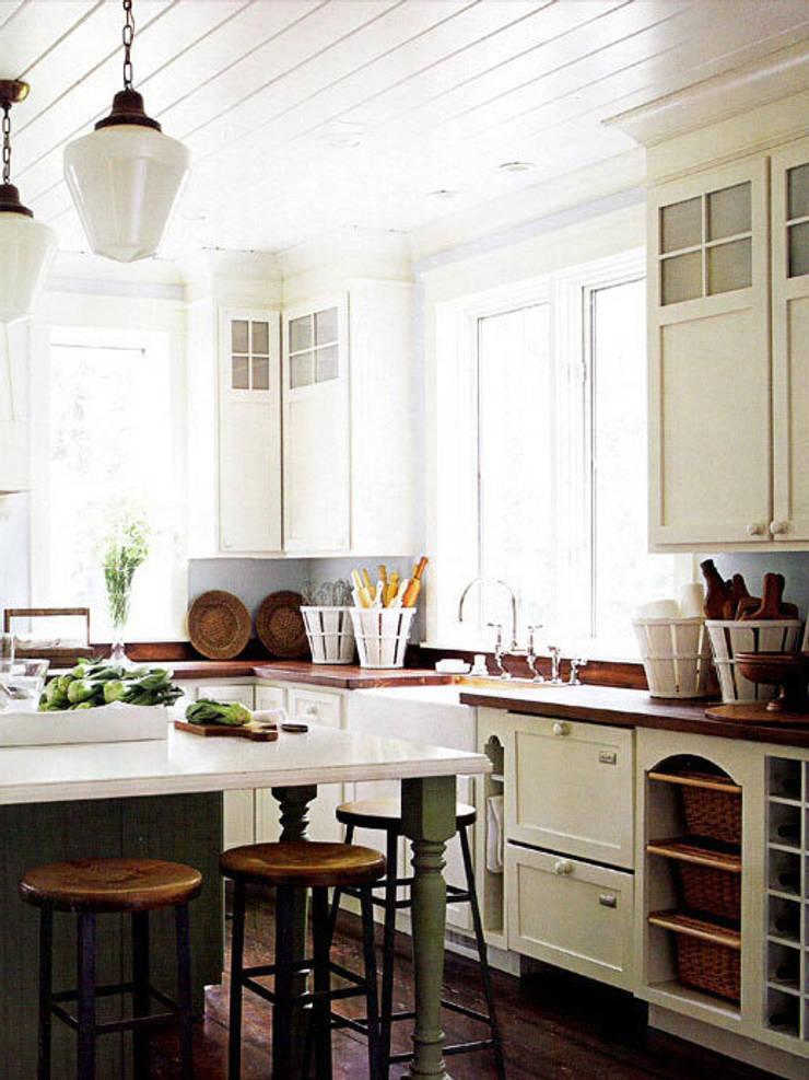 Country style kitchen:  Kitchen by Schema Studio Limited