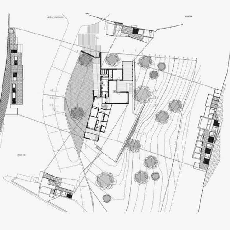 Casa Z  Urbanización 'La Zagaleta': Casas de estilo  de Rojo / Fernandez-Shaw