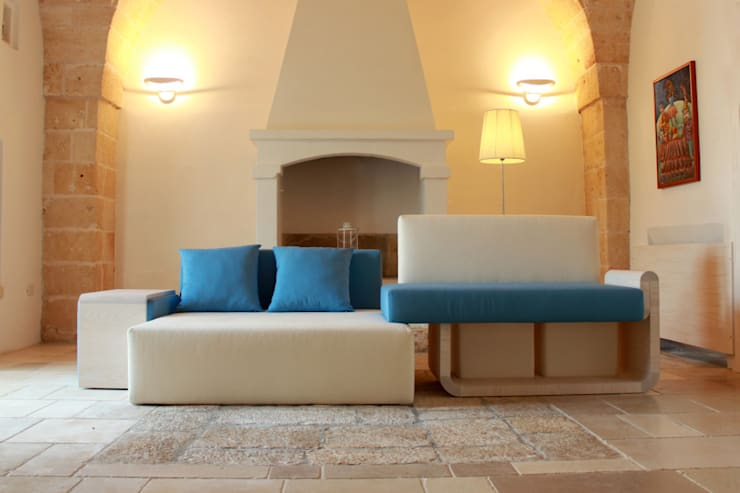O.T.A. 6 new relax experience: Soggiorno in stile  di Irene Don Giovanni Designer,