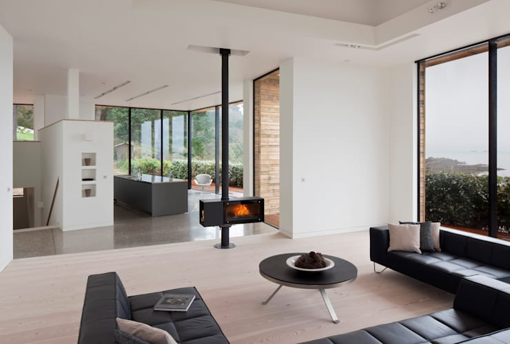 Le Portelet:  Living room by JAMIE FALLA ARCHITECTURE