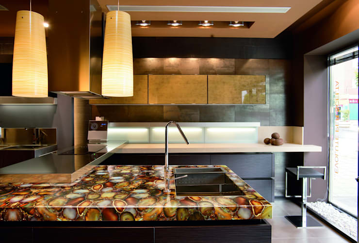 Kitchen counter top:   by 3D International Arts & Gems