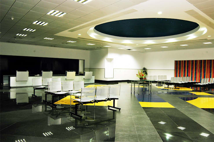 Interior Projects:  Commercial Spaces by CHINDHY'S Interior's