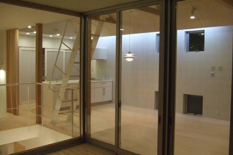 Media room by アトリエ24一級建築士事務所