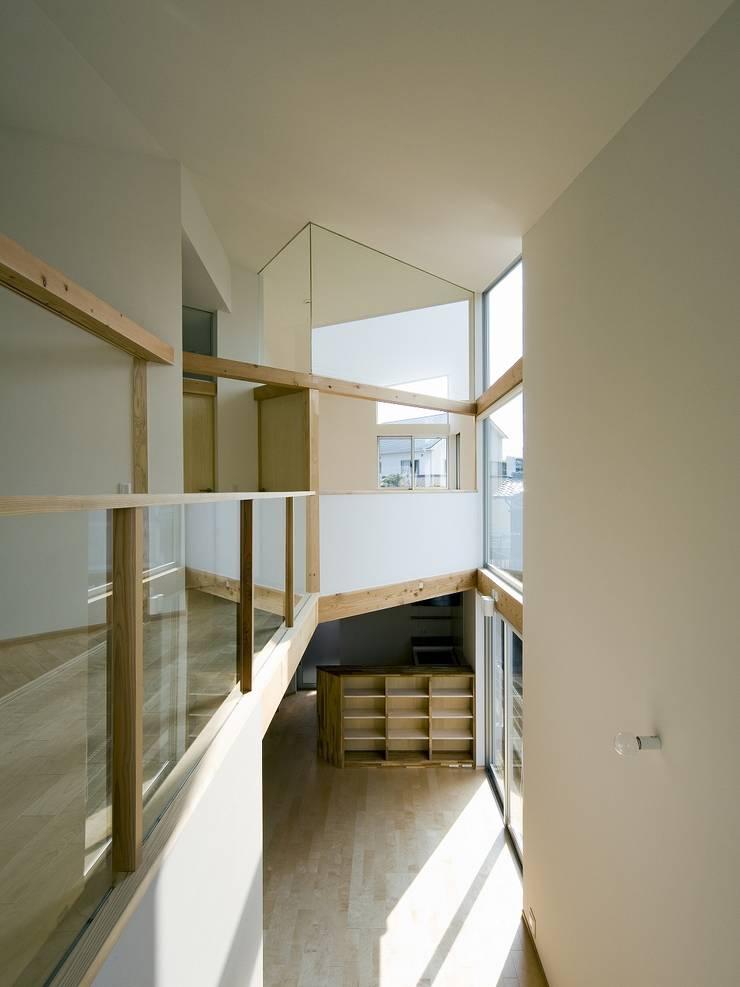 兵庫・S: 塔本研作建築設計事務所が手掛けたリビングです。,