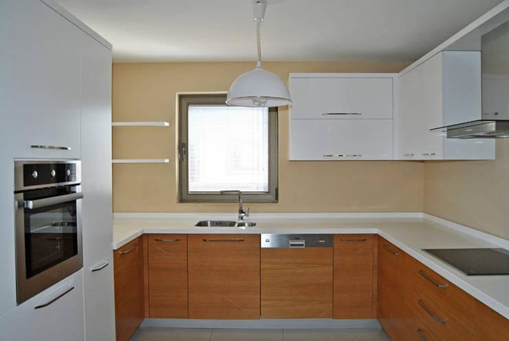 Estateinwest – Azure Villaları 3 Odalı İkiz Dubleksler:  tarz Mutfak
