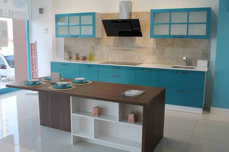 modern Kitchen by ORGE YAPI TASARIM DEK.İNŞ.NAK.MAD.SAN. ve TİC.LTD.ŞTİ.