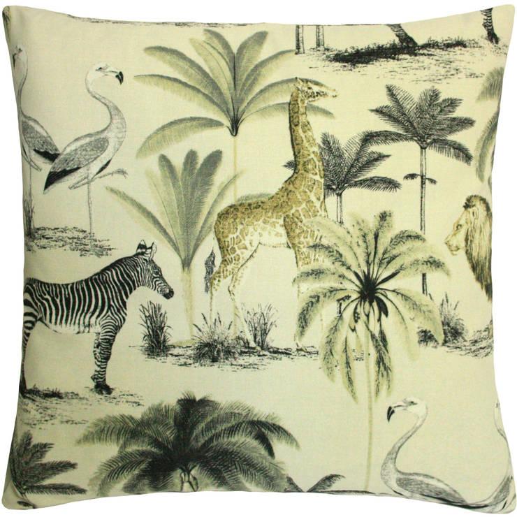 Kissen Safari: tropische Wohnzimmer von amirior GmbH