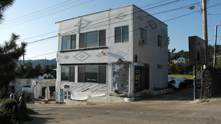 제주 집수리(JEJU JIP-SOORI): 무회건축연구소의  주택