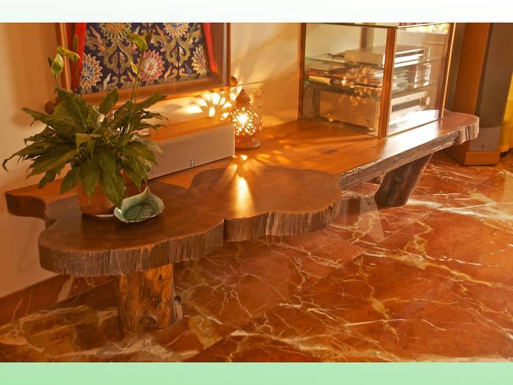 Residence at Andheri:   by Design Kkarma