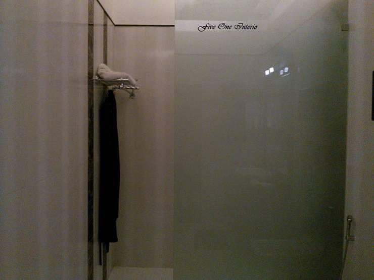 Salle de bains de style  par Five One Interio