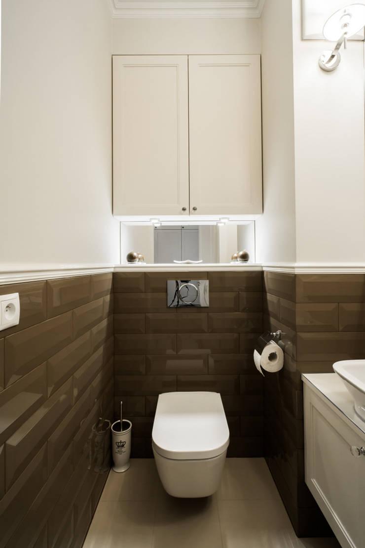 Warszawa - mieszkanie z nutką klasyki: styl , w kategorii Łazienka zaprojektowany przez Art of home