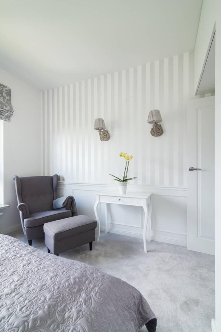 Warszawa – mieszkanie z nutką klasyki: styl , w kategorii Sypialnia zaprojektowany przez Art of home