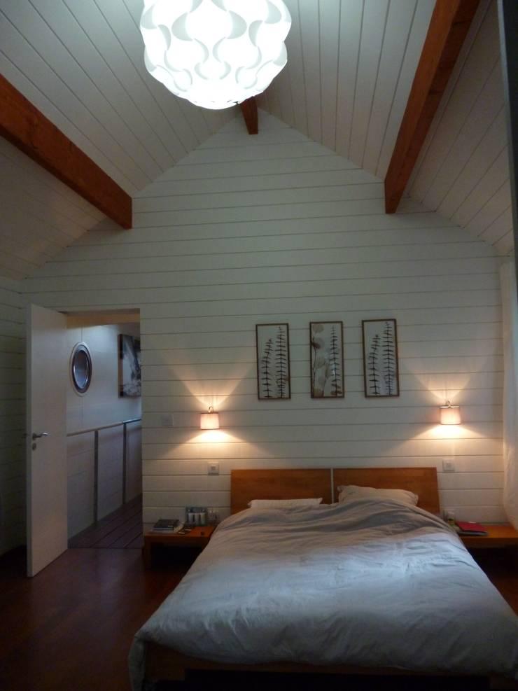 APRES suite parental: Maison de style  par  Elodie ROBOT Architecte d'intérieur