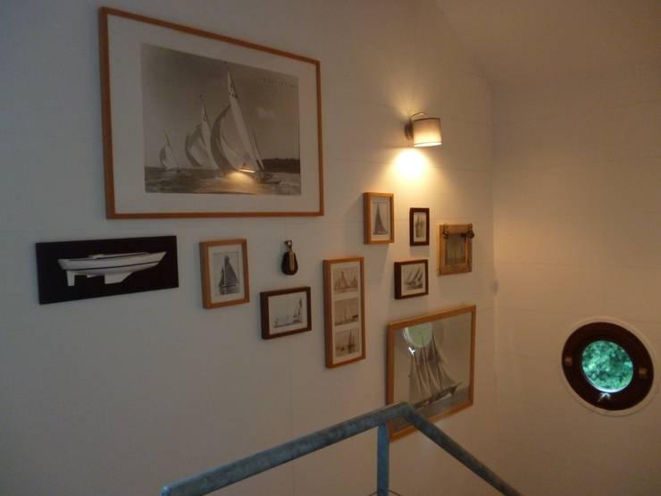 APRES cage d escalier: Maison de style  par  Elodie ROBOT Architecte d'intérieur