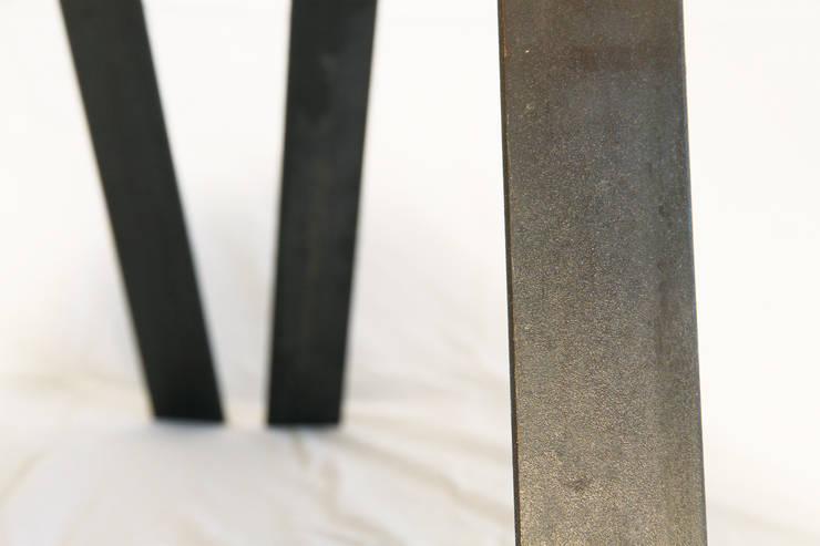 WOOD PEEBLE: Salon de style de style Moderne par Kevin Hemeryck  Architecte