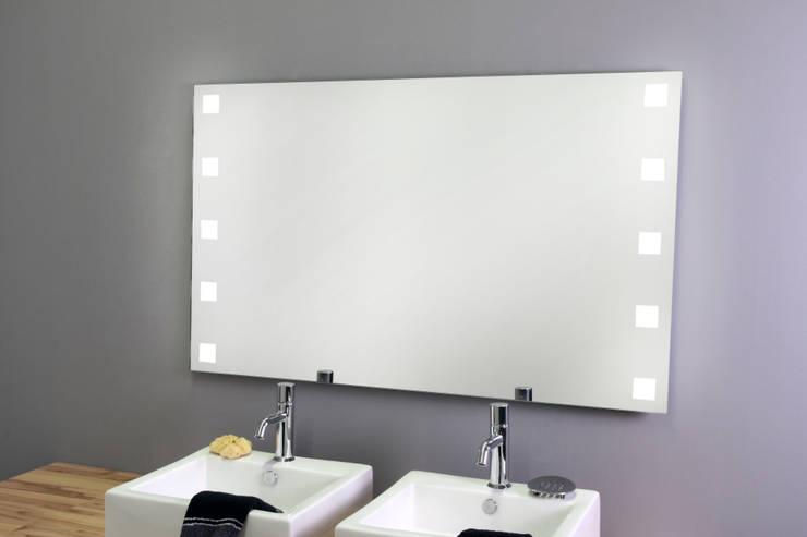 Badspiegel mit Hinterleuchtung: moderne Badezimmer von Schreiber Licht-Design-GmbH
