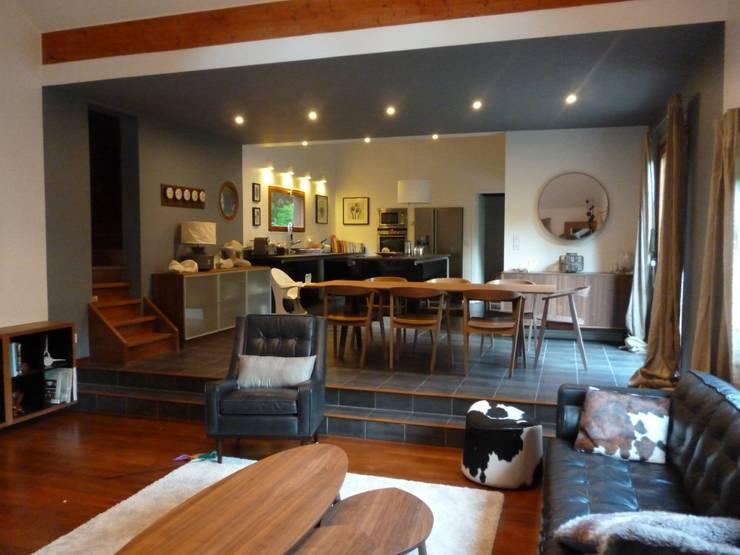 Décoration d'une maison d'architecte: Maison de style  par  Elodie ROBOT Architecte d'intérieur