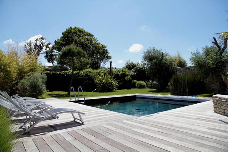Piscine: Maisons de style  par Alizé Chauvet Architecte - Designer intérieur