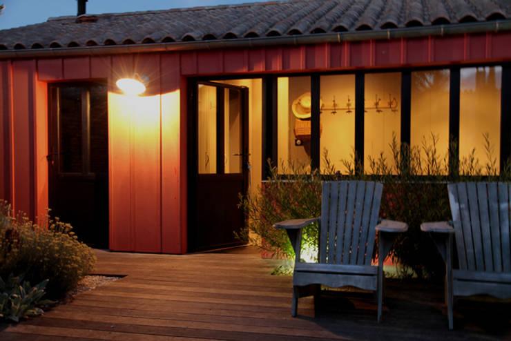 Entrée de nuit: Maisons de style  par Alizé Chauvet Architecte - Designer intérieur