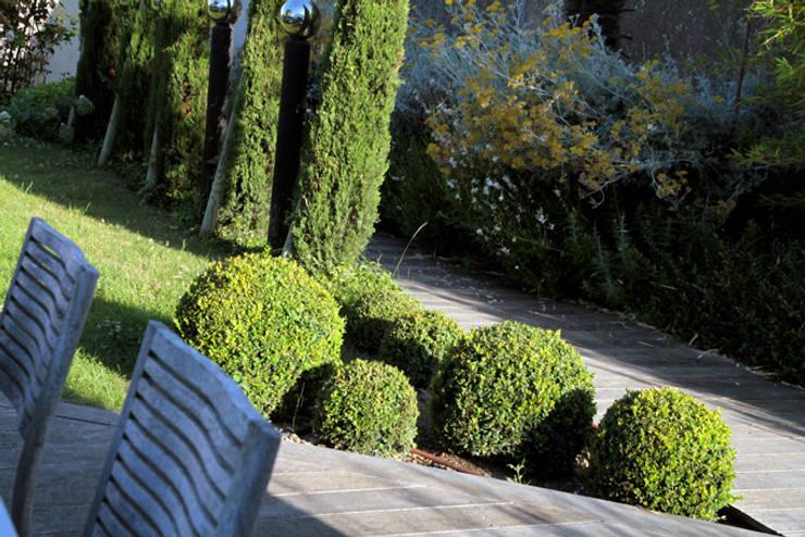 Jardin: Maisons de style  par Alizé Chauvet Architecte - Designer intérieur