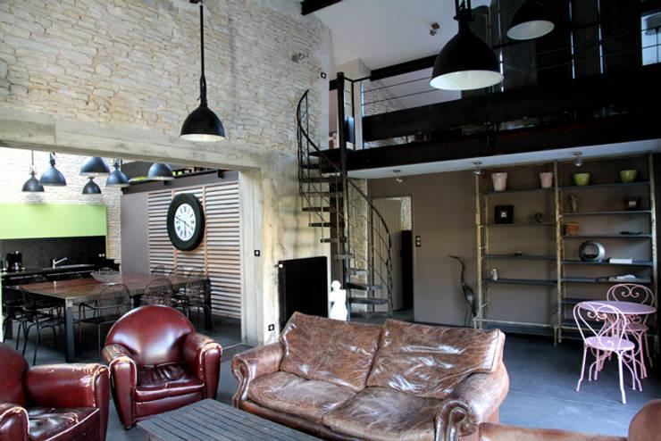 Salon : Maisons de style  par Alizé Chauvet Architecte - Designer intérieur