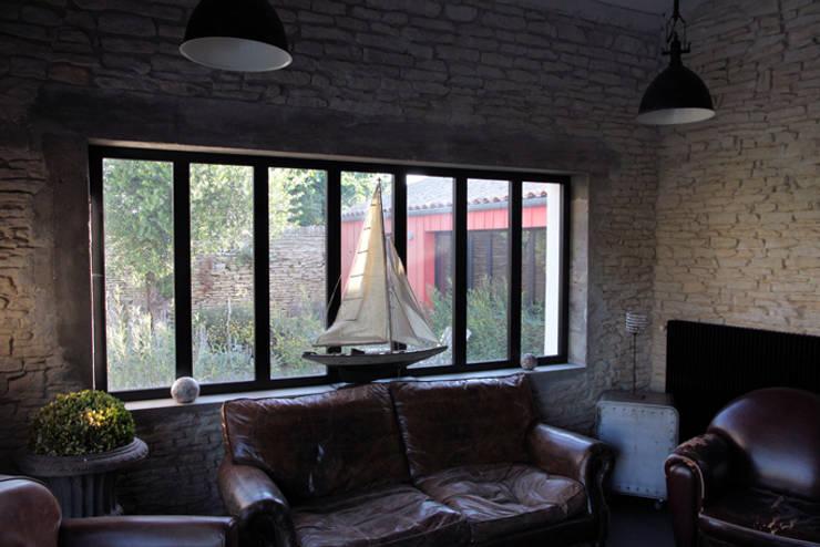 Salon: Maisons de style  par Alizé Chauvet Architecte - Designer intérieur