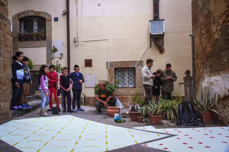 Santi Carruggi: Jardin de style de stile Rural par coloco