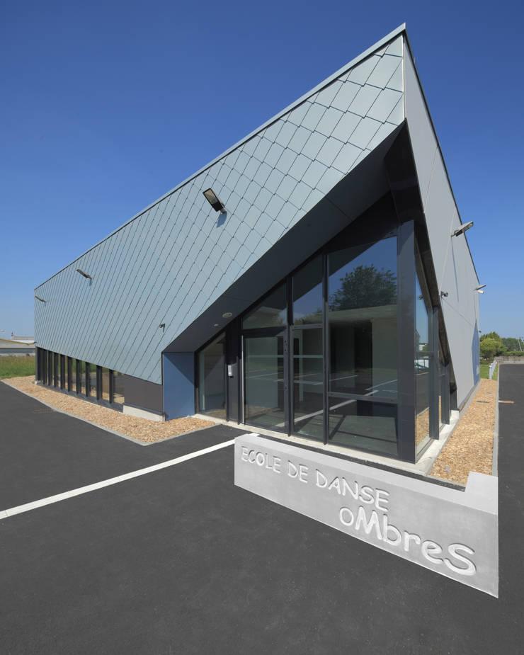 ECOLE DE DANSE / Compagnie OMbreS:  de style  par Atelier d'Architecture Gilles BERTRAND