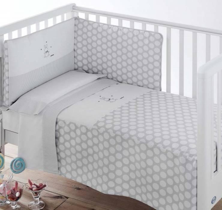 Habitación Ter Gris: Habitaciones infantiles de estilo  de DINDONBEBE