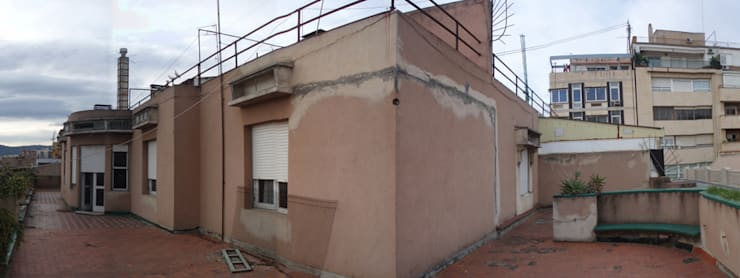 Rehabilitación de ático para unos coleccionistas de arte:  de estilo  de Clavel Arquitectos
