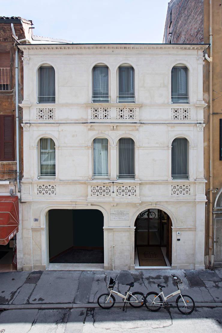 by Bcubo Architetti Modern