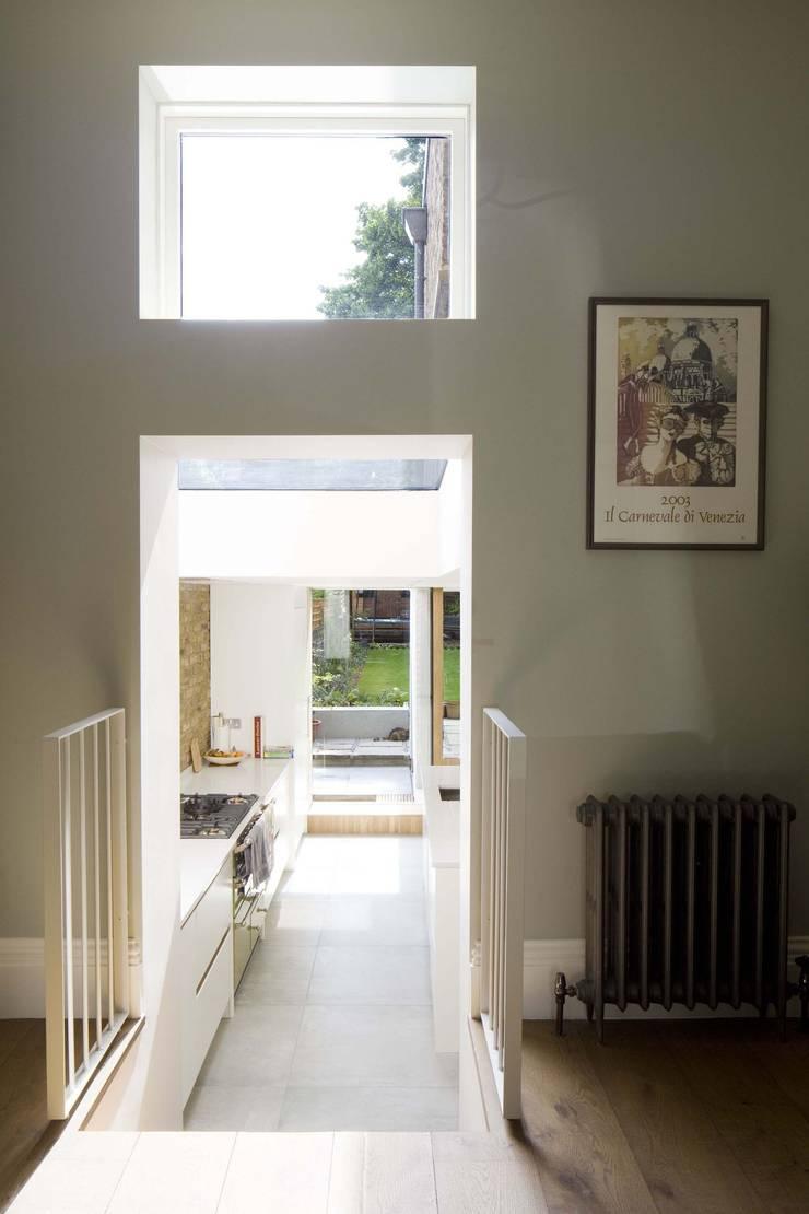 Huddleston Road:  Corridor & hallway by Sam Tisdall Architects LLP