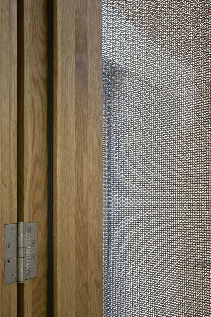 Huddleston Road:  Walls by Sam Tisdall Architects LLP