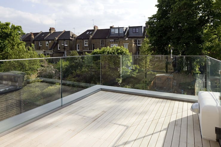 Huddleston Road:  Terrace by Sam Tisdall Architects LLP