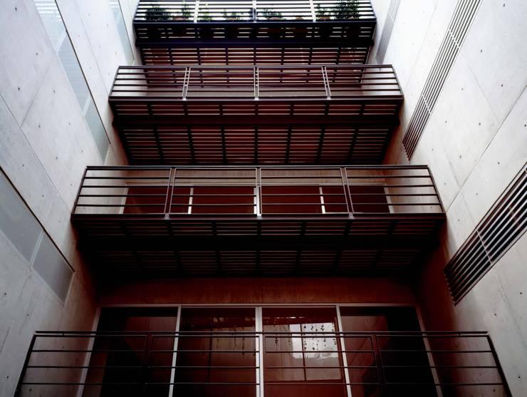 Sierra Picacho 10:  de estilo  por Central de Arquitectura