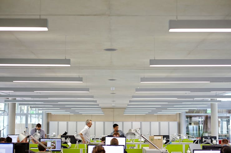 WWF building for Hopkins Architects:  Office buildings by Janie Airey Photographer