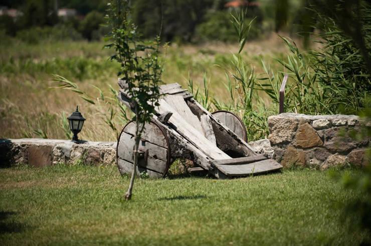 modern Garden by ARAL TATİLÇİFTLİĞİ