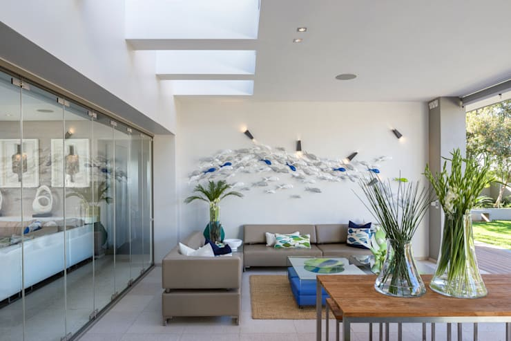 House Shoeman interior:  Living room by C7 architects