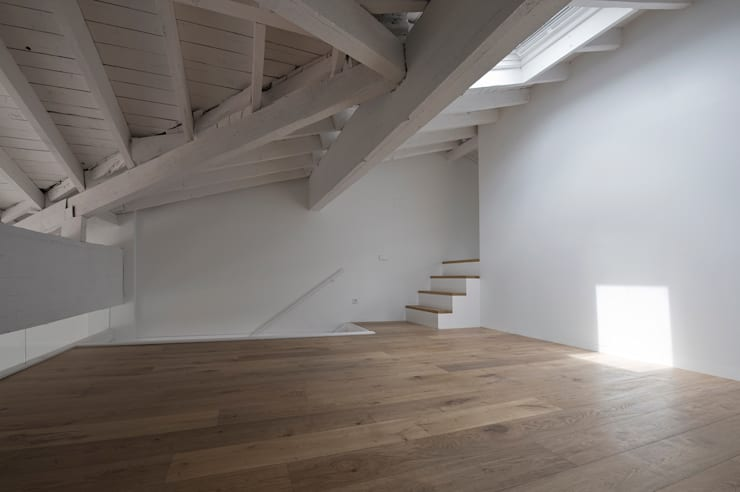 REFORMA DE VIEVIENDA EN PAMPLONA: Casas de estilo  de Garbisu arquitectos