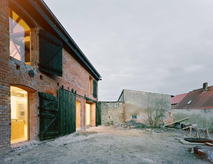 Case in stile in stile Minimalista di JAN RÖSLER ARCHITEKTEN