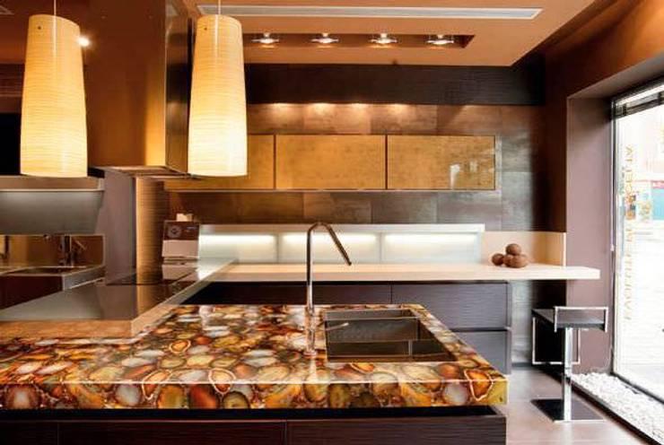 Carnelian Kitchen CounterTop:  Kitchen by Stonesmiths - Redefining Stone-Age