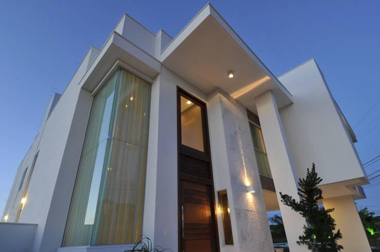 Projekty,  Domy zaprojektowane przez Espaço Cypriana Pinheiro