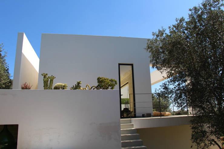 Villa Flo: Case in stile  di Antonio D'aprile Architetto