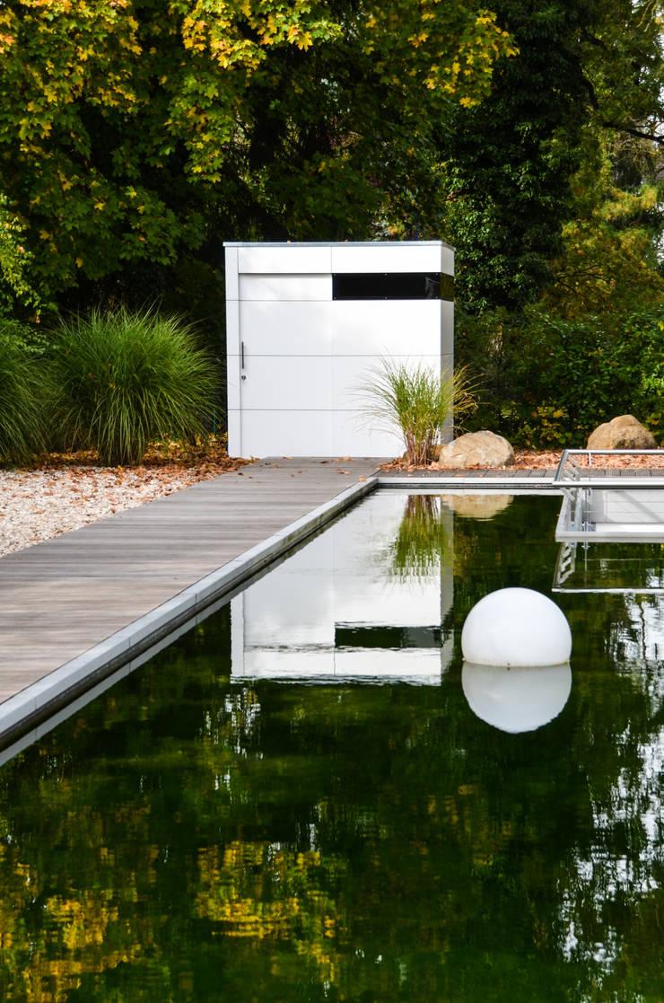gartenhaus @gart zwei - München:  Garage & Schuppen von design@garten - Alfred Hart -  Design Gartenhaus und Balkonschraenke aus Augsburg,Minimalistisch Holz-Kunststoff-Verbund