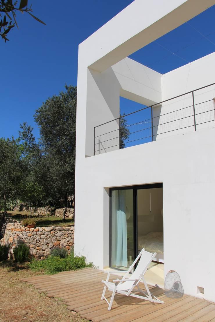 Villa Flo: Case in stile  di Antonio D'aprile Architetto,